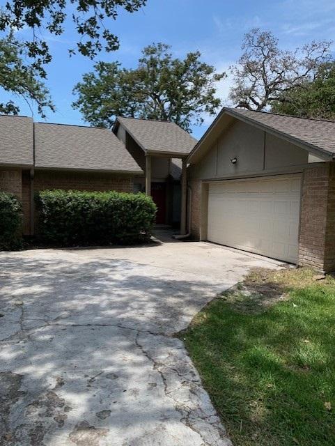 1603 Chestnut Ridge Rd, Kingwood, TX 77339